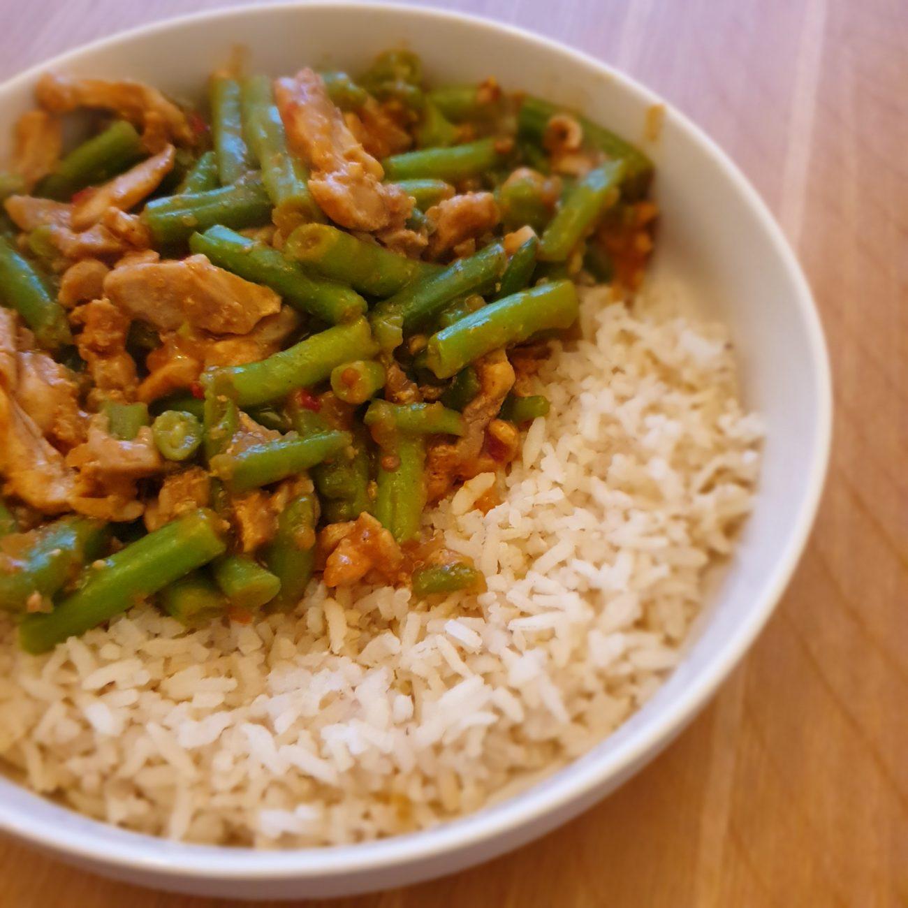 Makkelijke rijst met sajoer boontjes