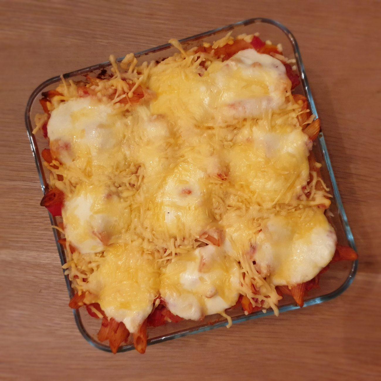 Ovenschotel met tonijn, tomaat en paprika
